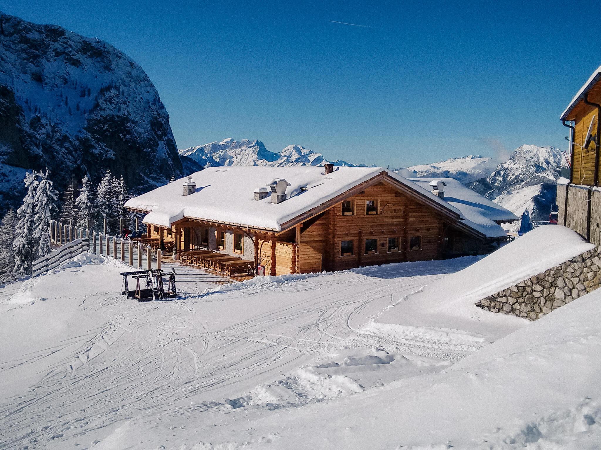Ski civetta sciare sotto il pelmo e il civetta da una for Piani chalet sci