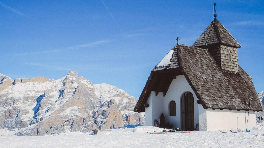 Chiesetta a Pralongià - foto Dolomiti Review