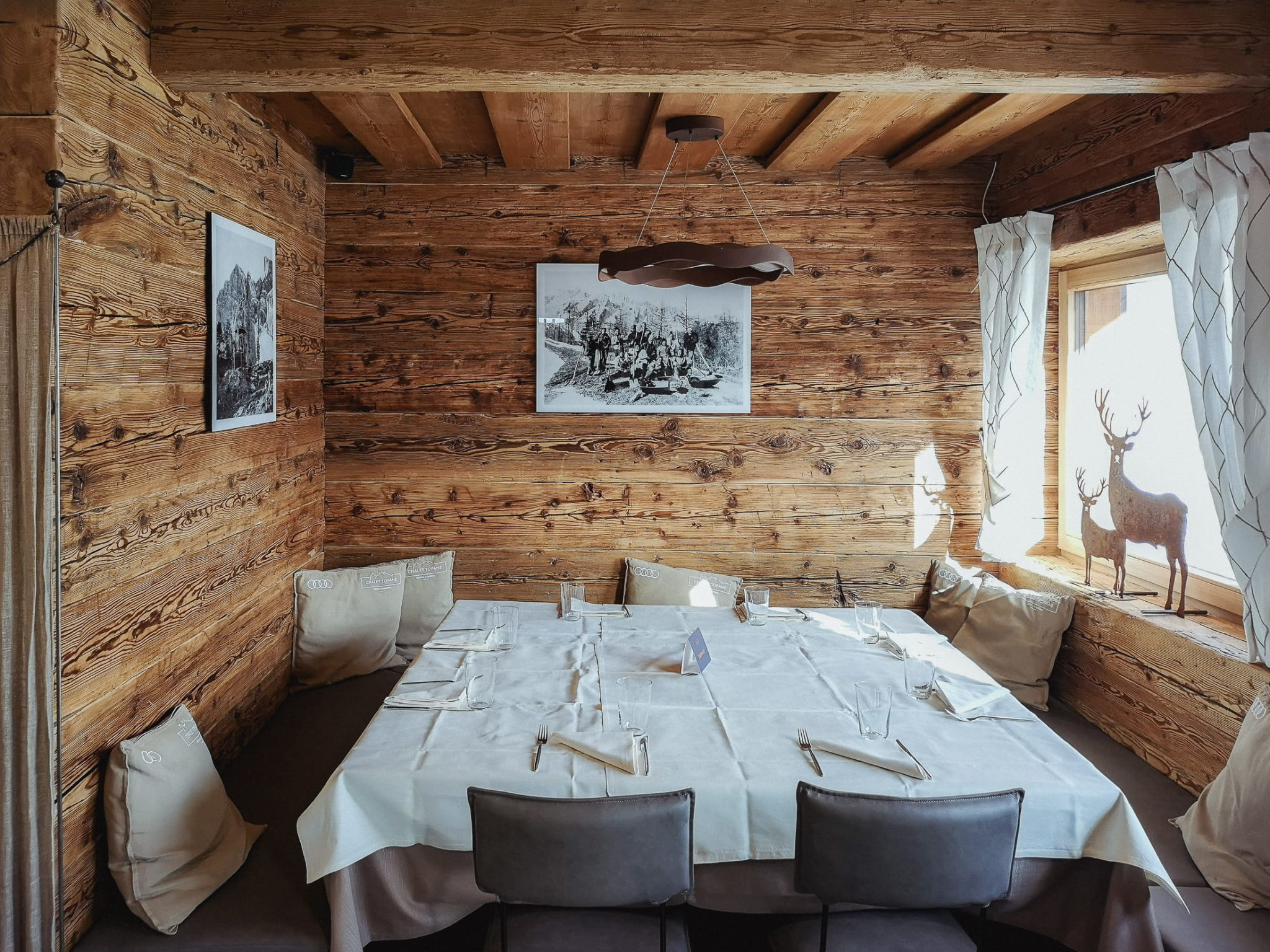 Interno Chalet Tofane Cortina - foto Dolomiti Review