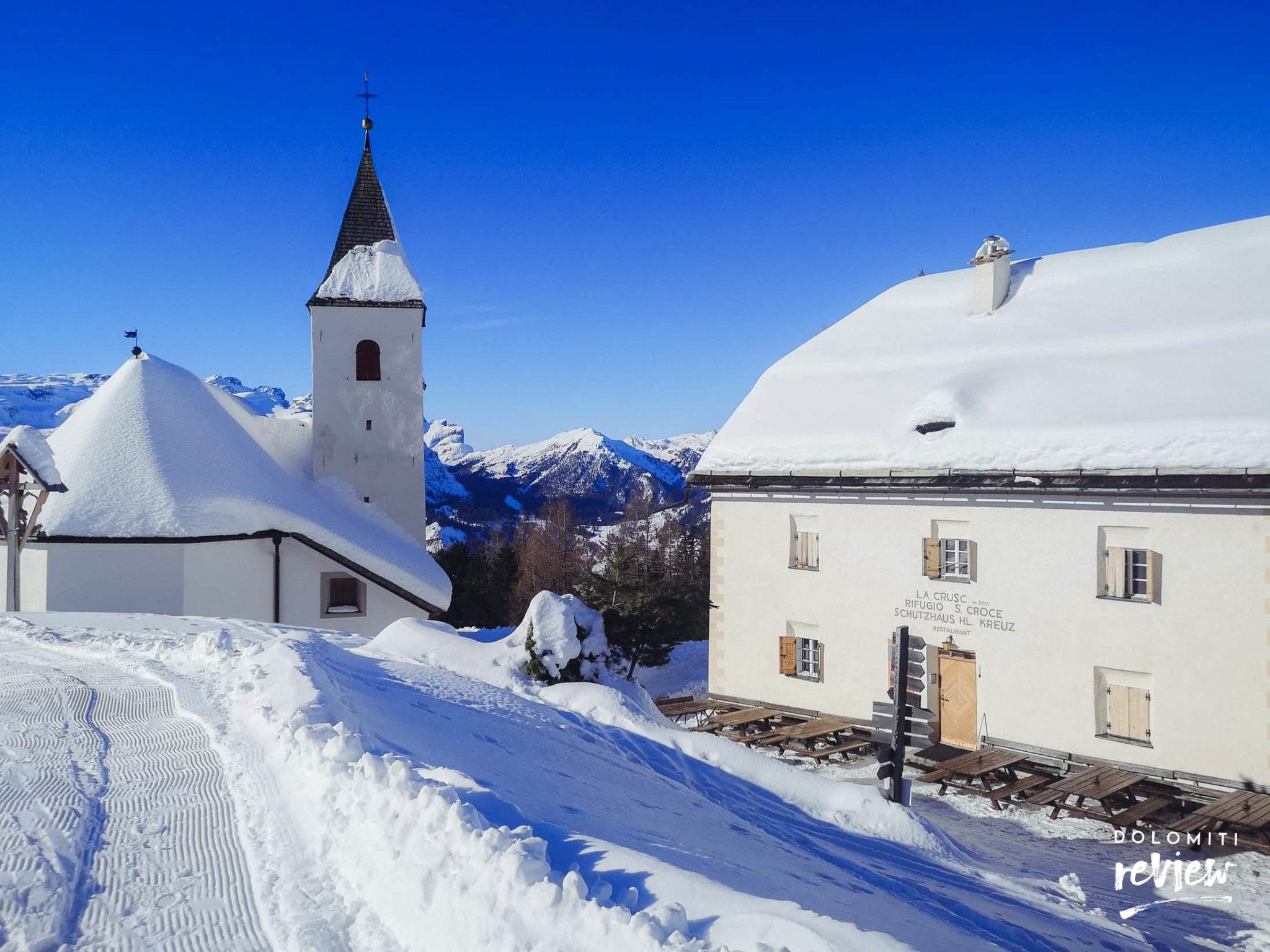 Santuario e Rifugio Santa Croce, Alta Badia, in inverno
