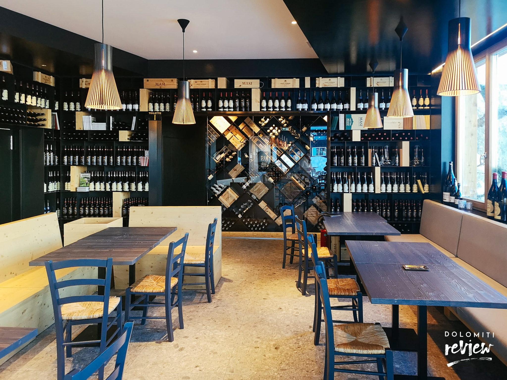 Gli interni del Masi Wine Bar Cortina al Col Druscié