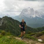 Dolomiti Extreme Trail - Jimmi Pellegrini 3. classificato sul Monte Rite. Sullo sfondo il monte Pelmo - CREDITO ANDREA SAGUI