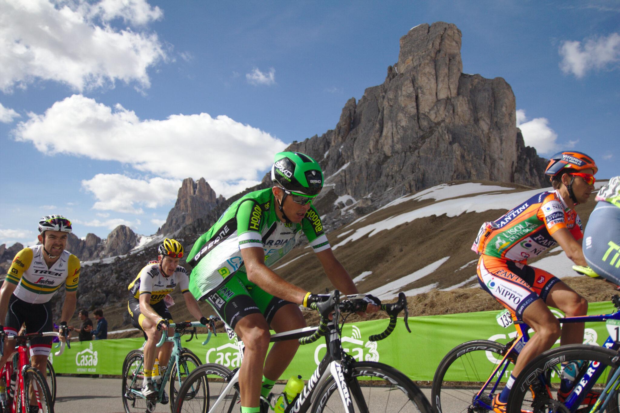 Giro d'Italia sul Passo Giau - foto Dolomiti Review