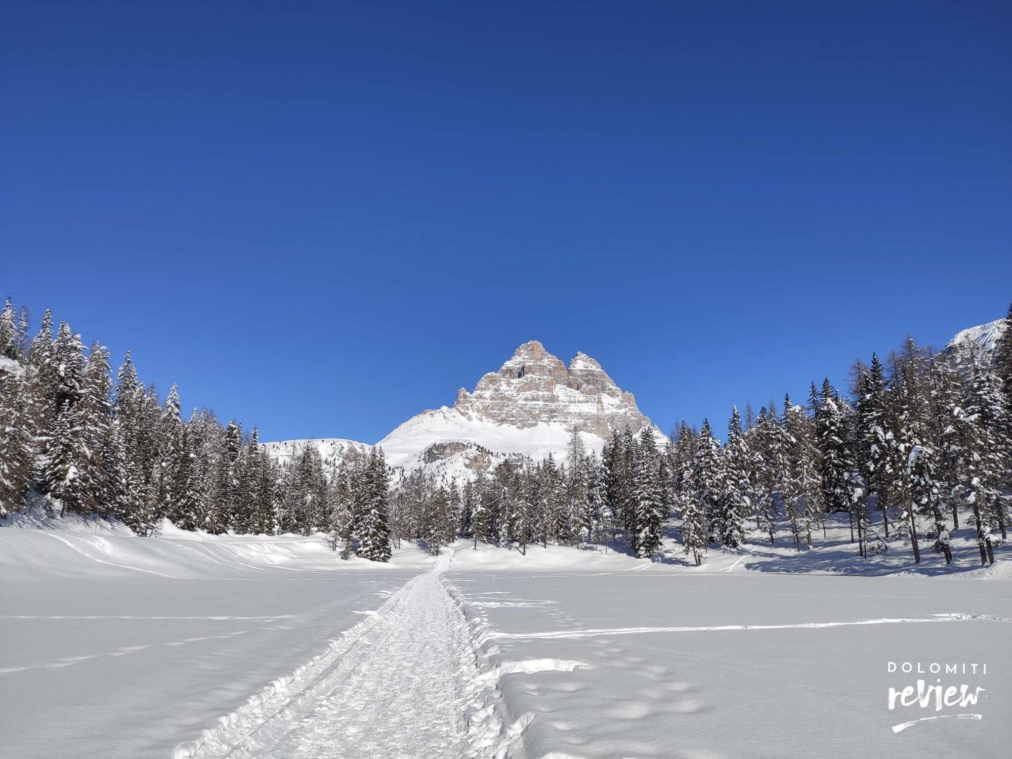 Tre Cime di Lavaredo in inverno, dal Lago di Antorno
