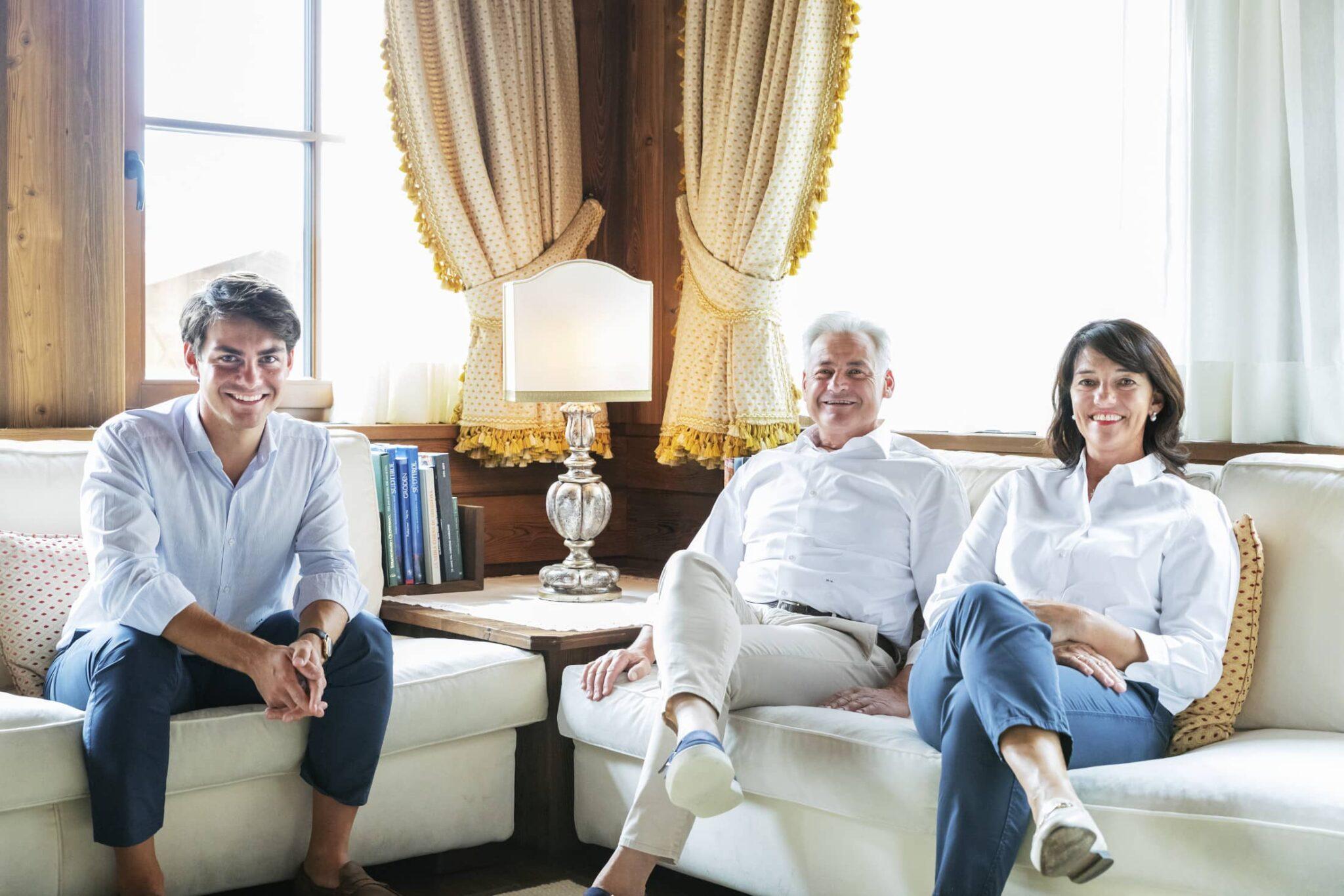 Bibiana Dirler con il marito Maurizio e il figlio Emanuele Micheli