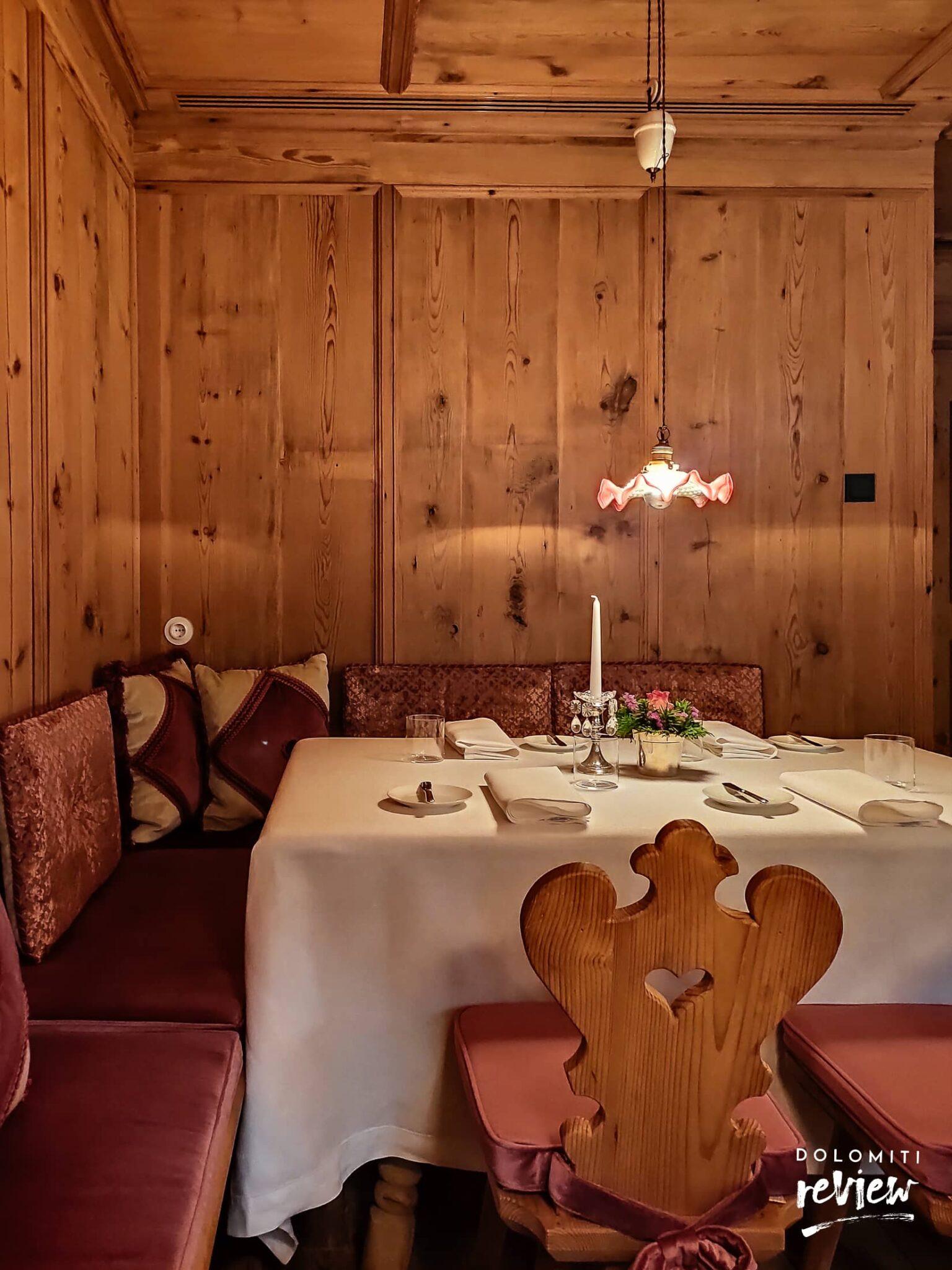 Ristorante Suinsom - dettagli sala rosa